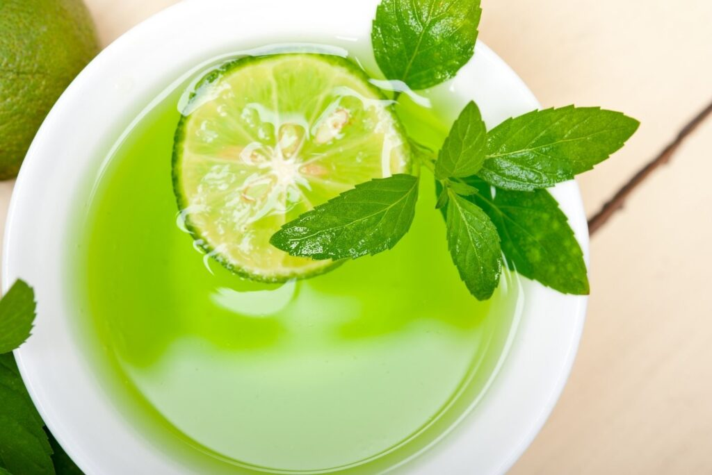 20 Natural Treatments for Asthma - Mint Infusion
