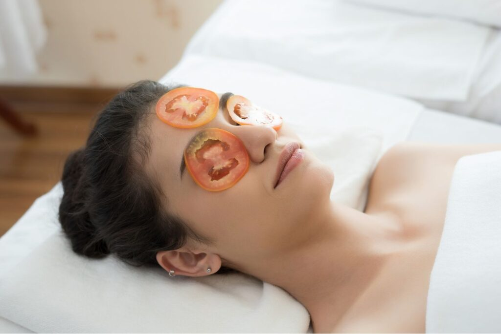 Natural Treatment for Blackheads - Tomato Slices