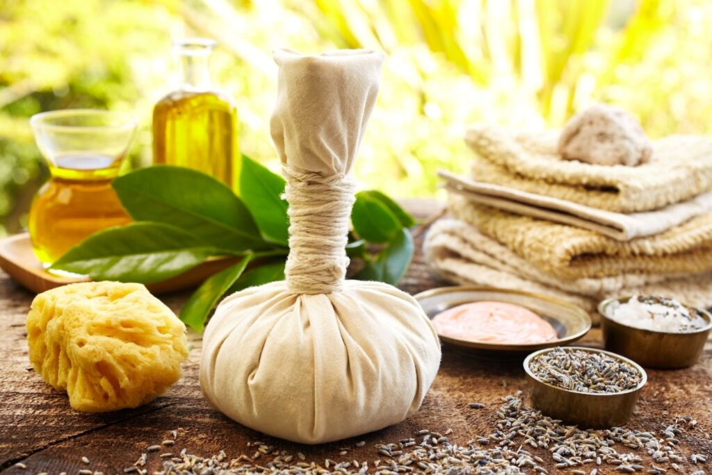 14 Natural Remedies for Open Wounds - Poultice