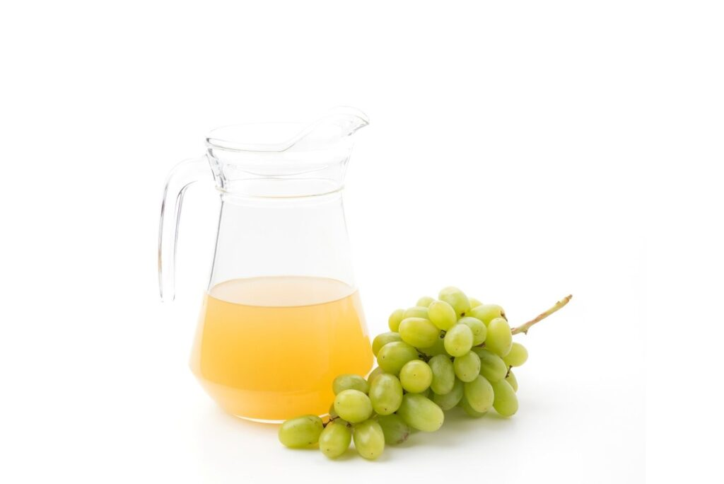 Home Remedy for Skin Firming - White Grapes Juice