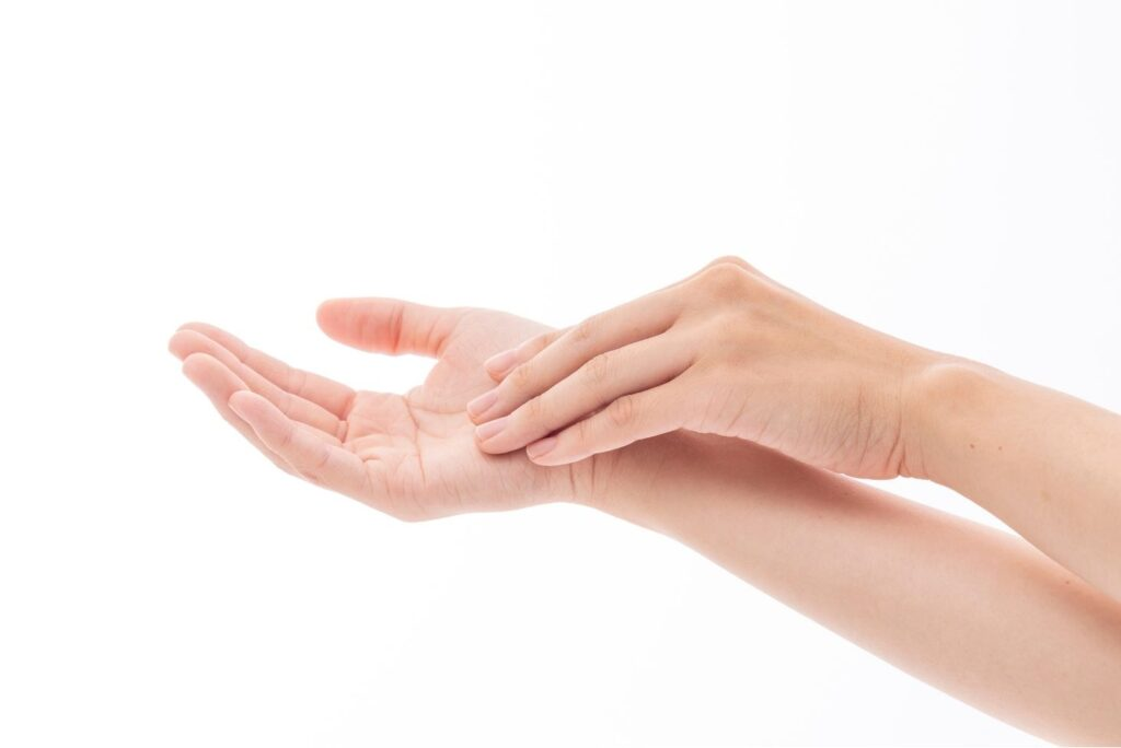 15 Home Remedies for Infected Cuts - Hands