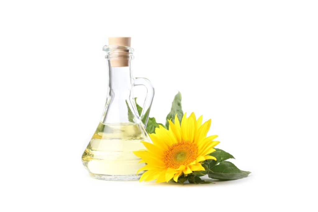 6 Natural Remedies for Periodontitis - Sunflower Oil