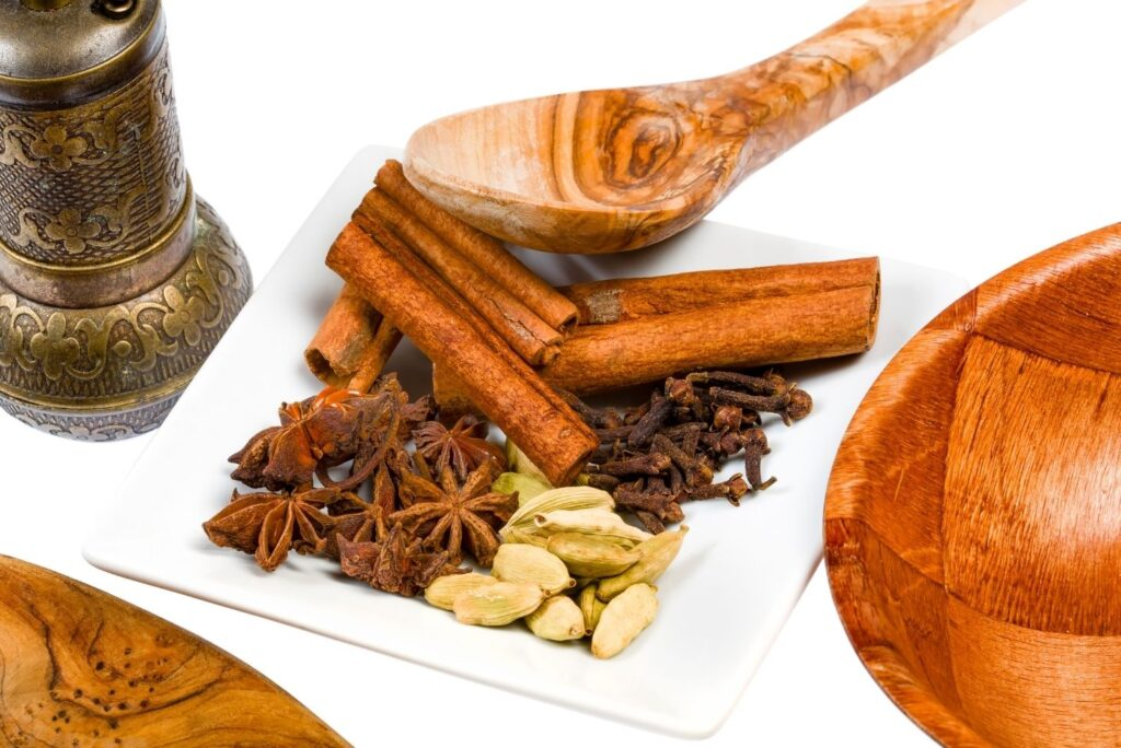 13 Natural Remedies for Cold and Flu - Clove and Cinnamon
