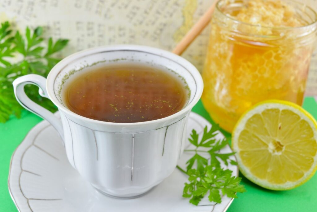5 Easy Natural Skin Care for Dark Spots on Face – Parsley Tea