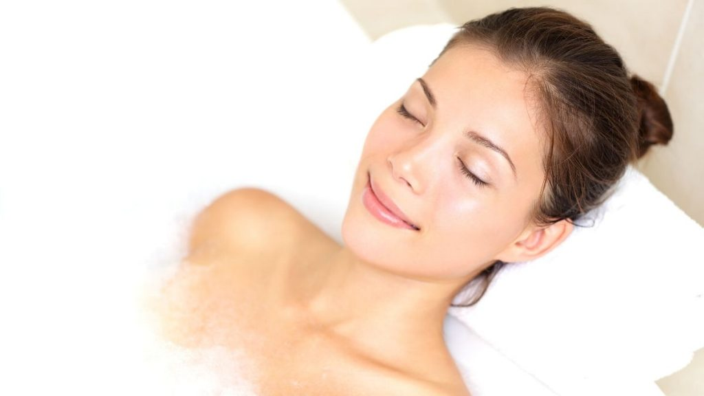 use the healing properties of bath water depending on the water temperature