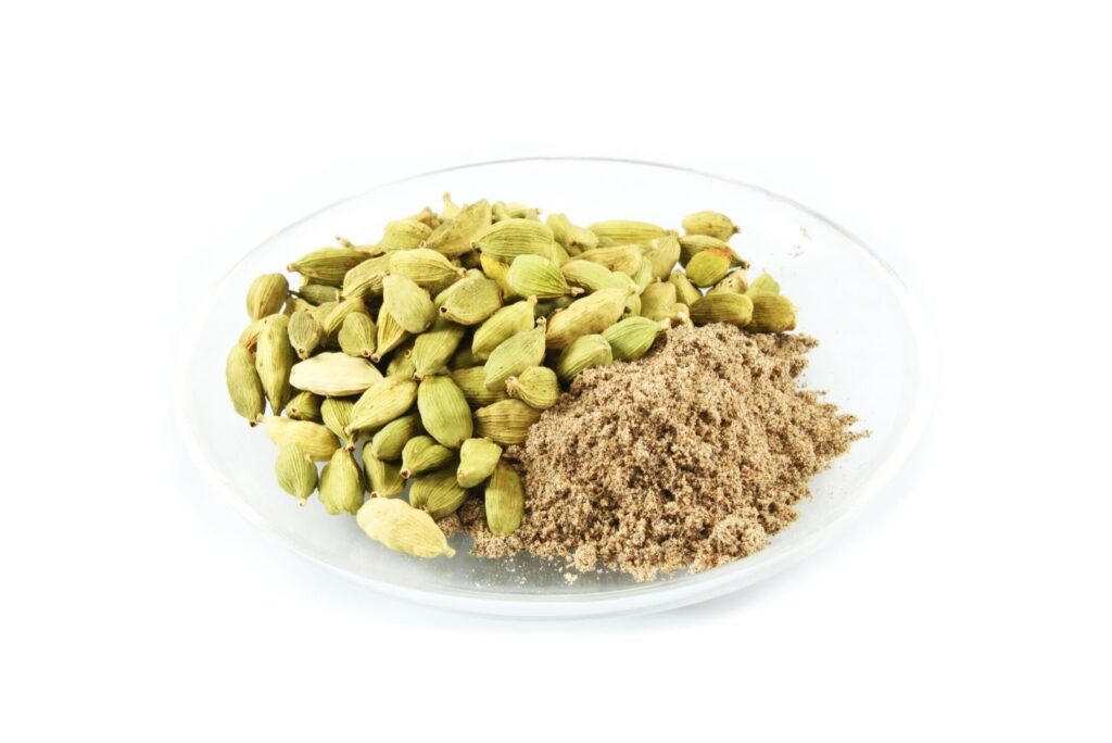 6 Effective Ancient Arab Home Remedies and How to Use Them - Cardamom