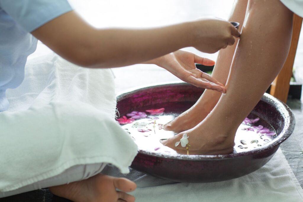 Natural Remedies for Thrombophlebitis - Foot Bath - MYN