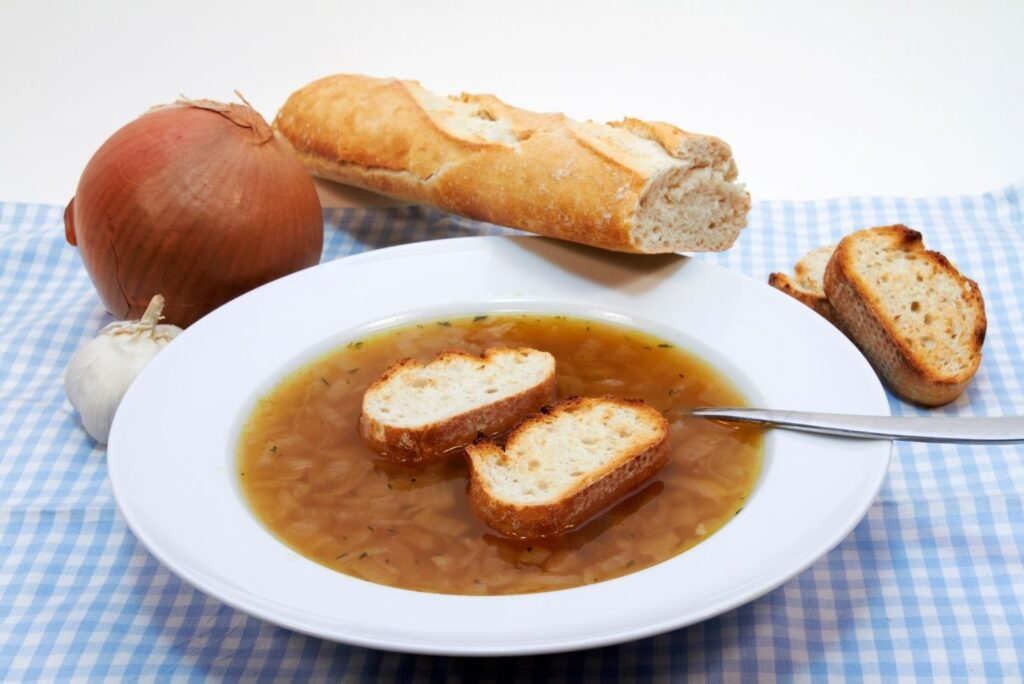 Natural Sources of Quercetin Onion Soup - MYN